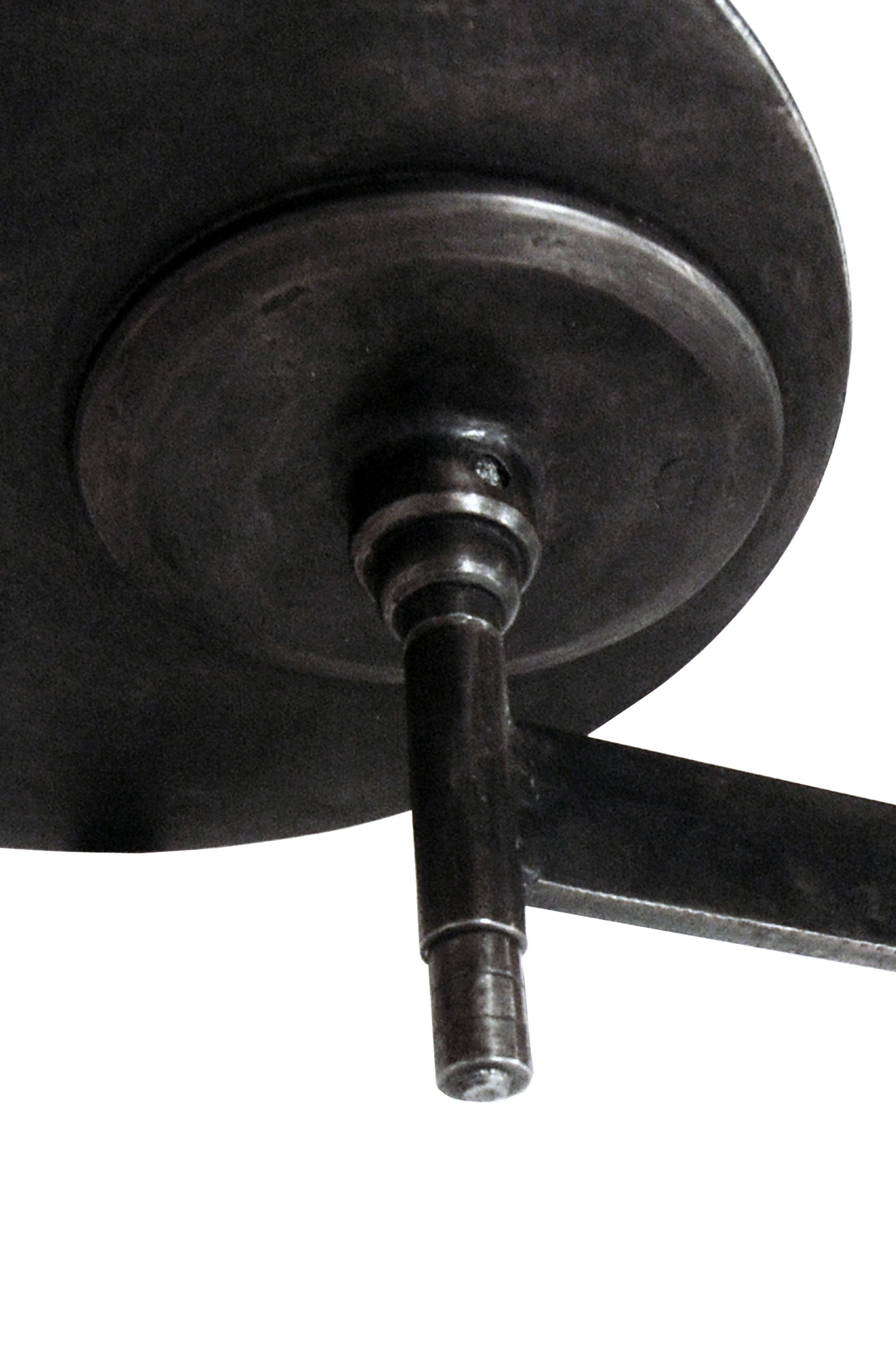 Swiveling Table