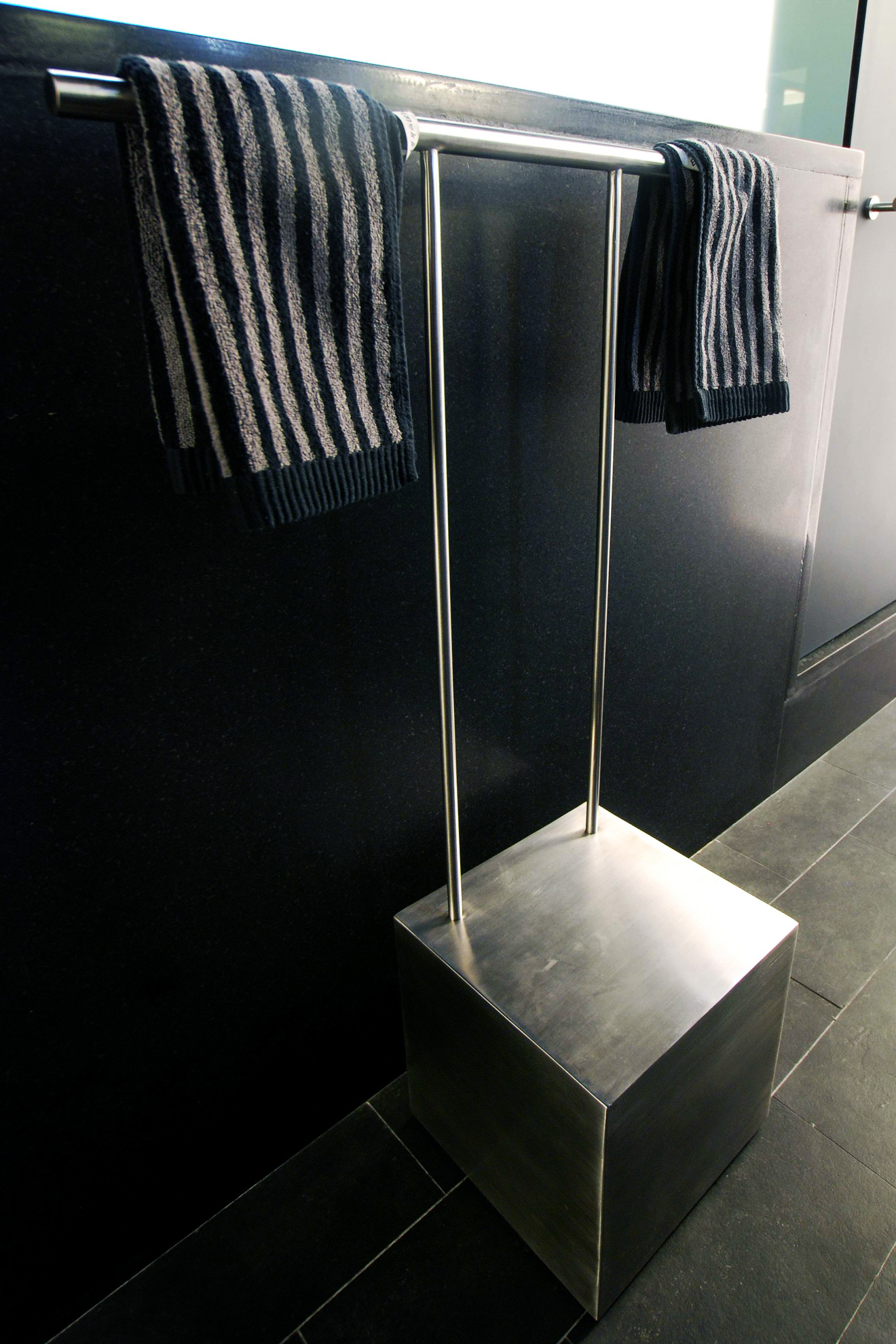 Portable Towel Bar