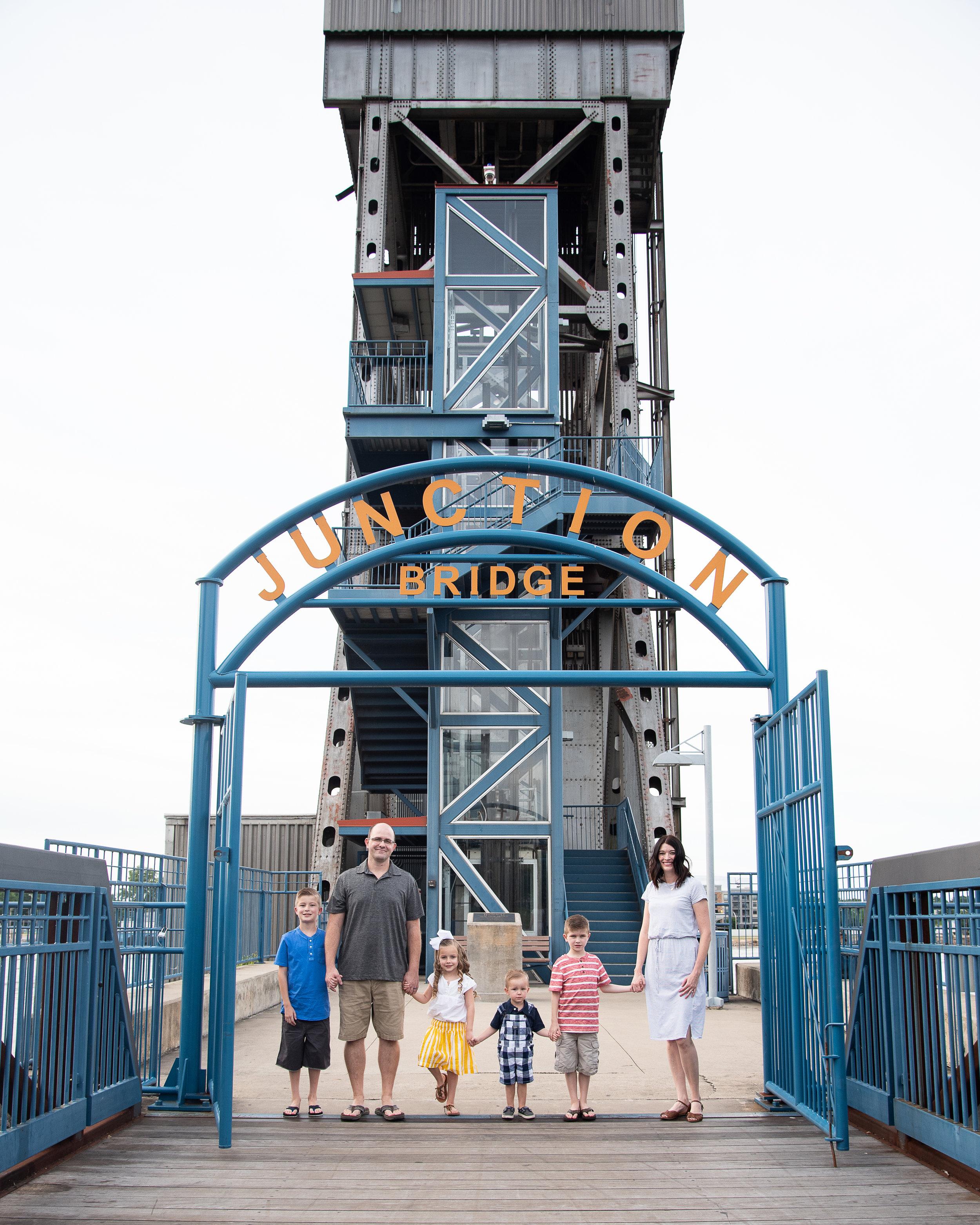 junctionbridgefamilyportraitslittlerock.jpg