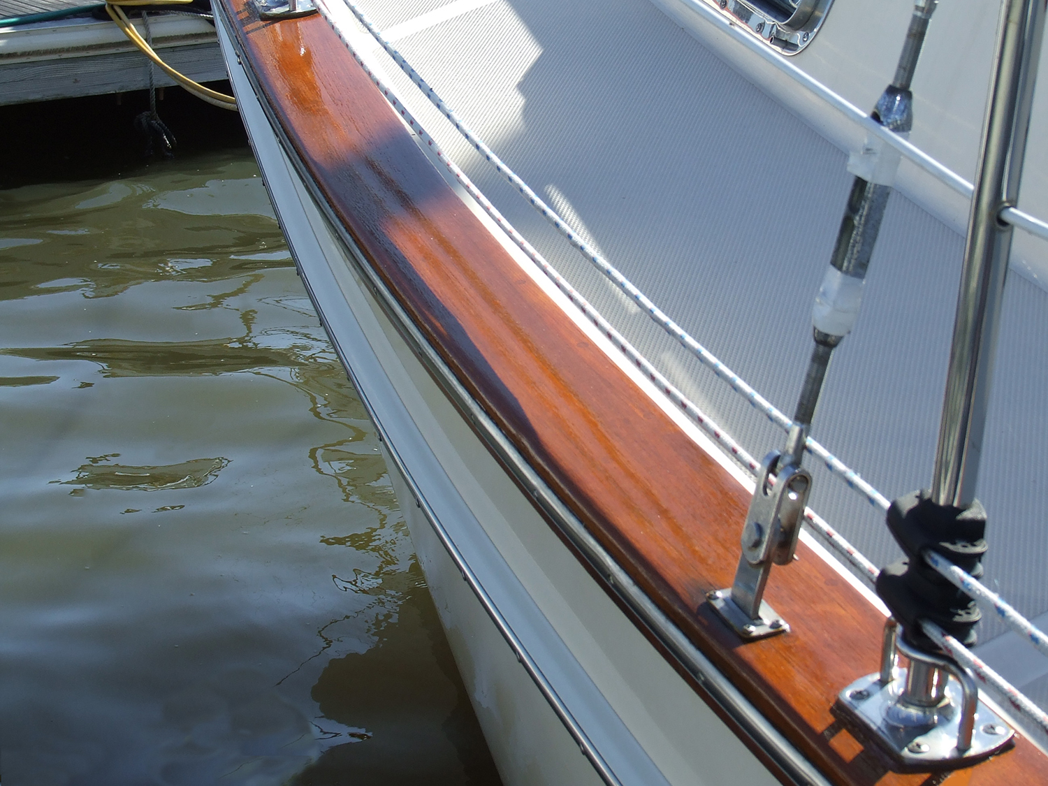 Hill's Marine Varnish Honey Teak.jpg