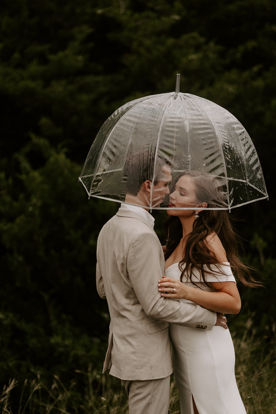 Winter-Fall Elopement- Meme Urbane Photography umbrella-6.jpg