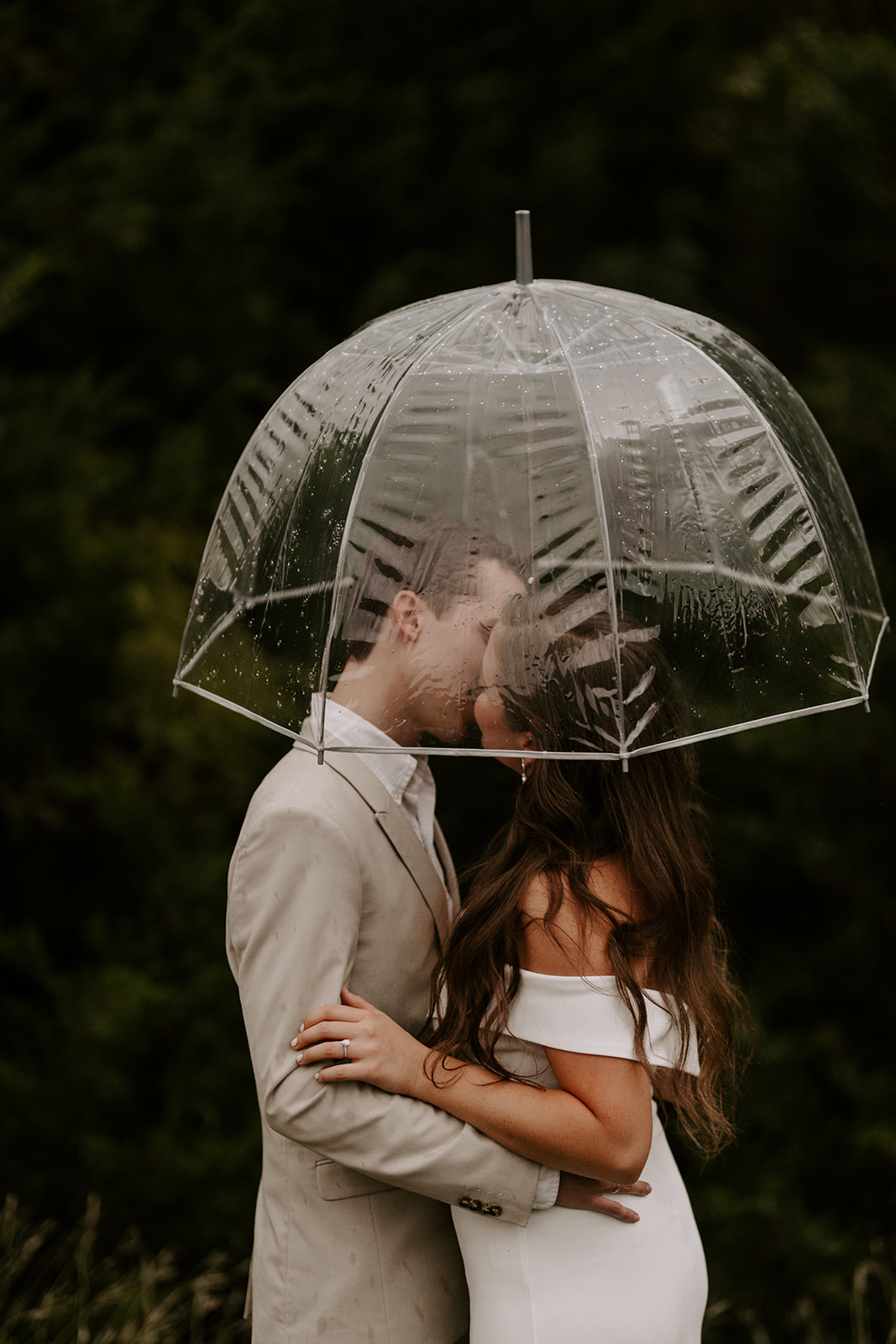 Winter-Fall Elopement- Meme Urbane Photography umbrella-5.jpg
