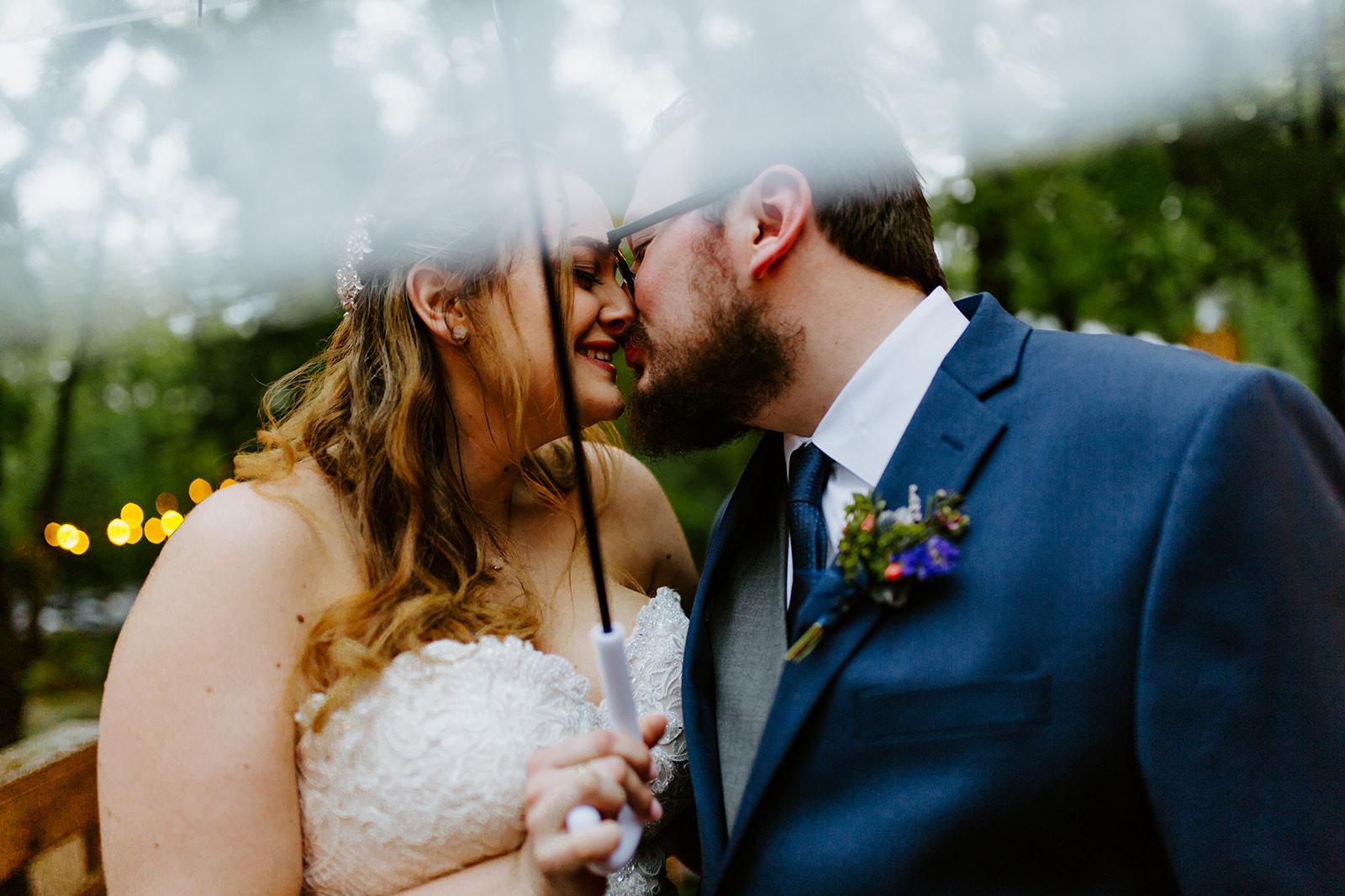 Kristin + Tommy - Wedding Photos - Sneak Peeks! - Meme Urbane Photography_-39_websize.jpg