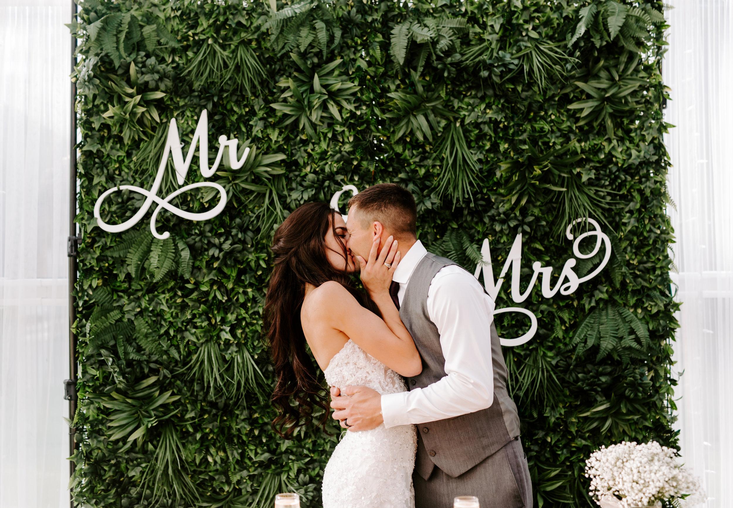 Jackie + Lance - The Heim Wedding - Black Diamond Gardens - Black Diamond Washington - Sneak Peeks! -  Meme Urbane Photography-25.jpg
