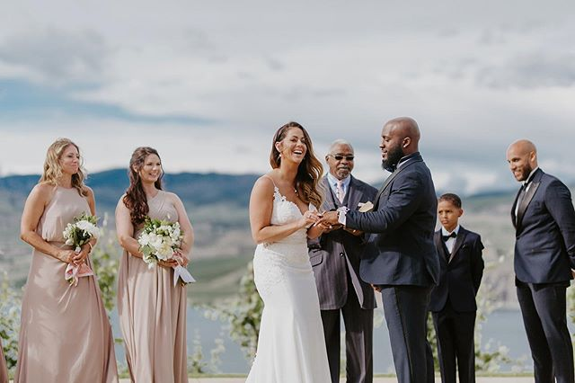 More gorgeous wedding ceremonies on Lake Chelan in 2020, please and thanks!😍 . . . . . . #lakechelanwedding #chelanwedding #chelanweddingphotographer #karmavineyards #seattleweddings #karmavineyardswedding #lakechelan  #denverphotographer #boulderphotographer #rockymountainbride #engagedlife #oarsandbeanies #muchlove_ig #denverweddings #memeurbanephotography #coloradoweddingphotographers #arizonaphotographer #arizonaweddingphotographer #californiaengagementphotographer  #californiaweddingphotographer #southerncaliforniaphotographer #californiaphotographer #arizonaweddingphotography #arizonaweddings