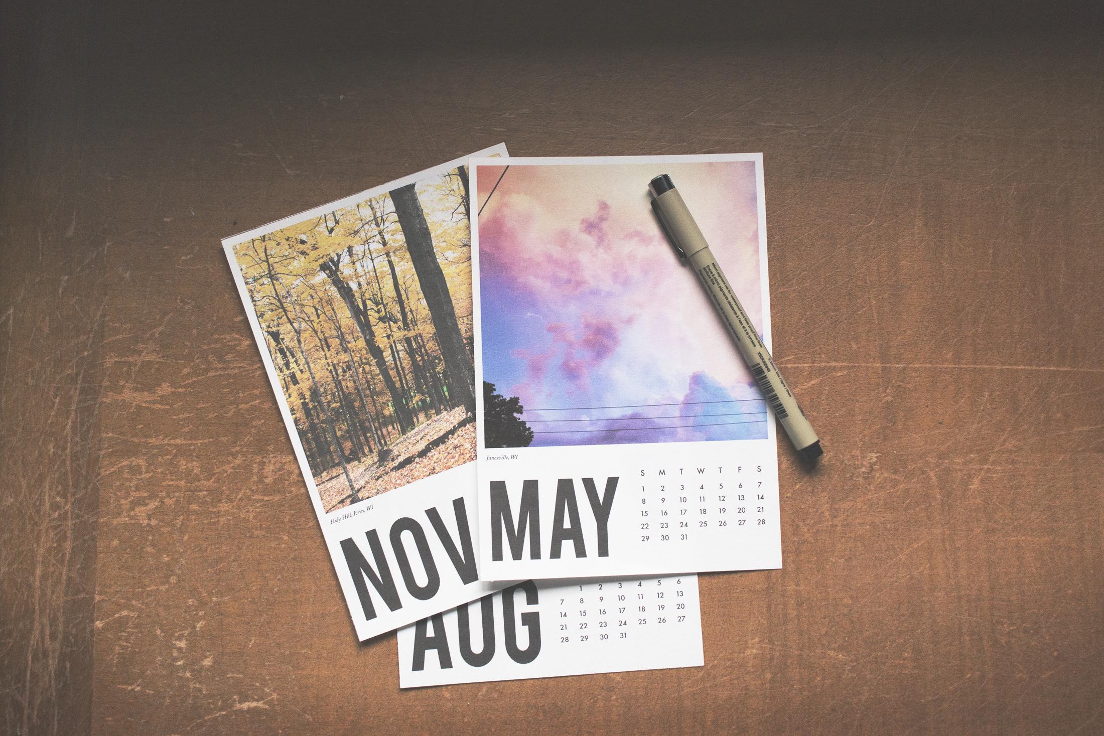 Making Calendar_02_2200.jpg