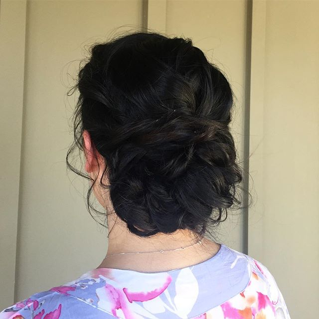 #latergram #forgotihadthis bridesmaid updo with some soft face framing curls #minstylist