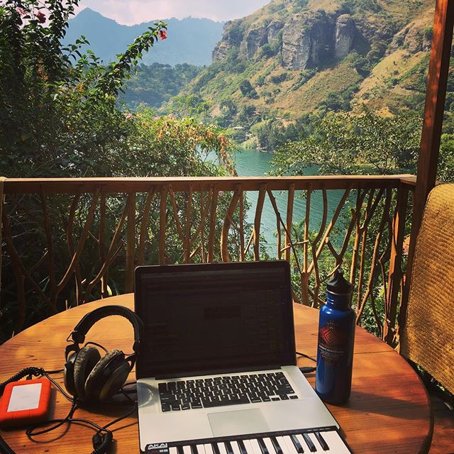 My new studio ;) #lakeatitlan #calibratesound www.souncloud.com/calibratesound