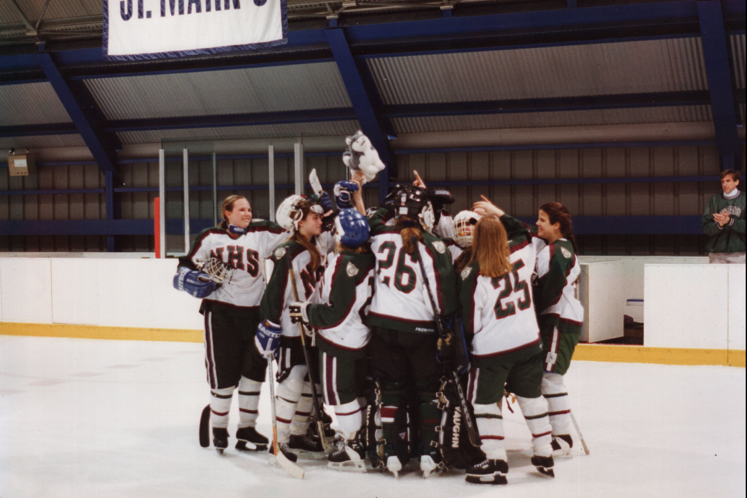 010Hockey.Womens.jpg