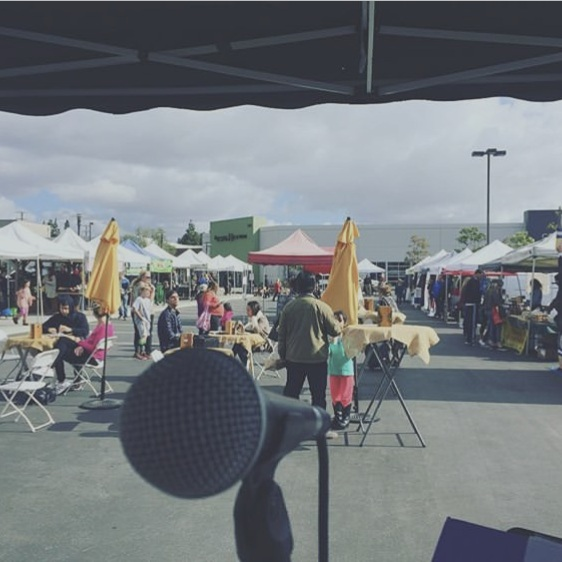 Market music -