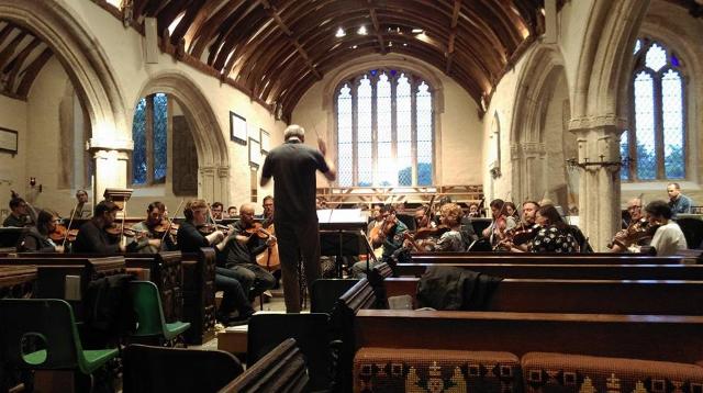 Aidan Oliver rehearsing the Endellion Strings