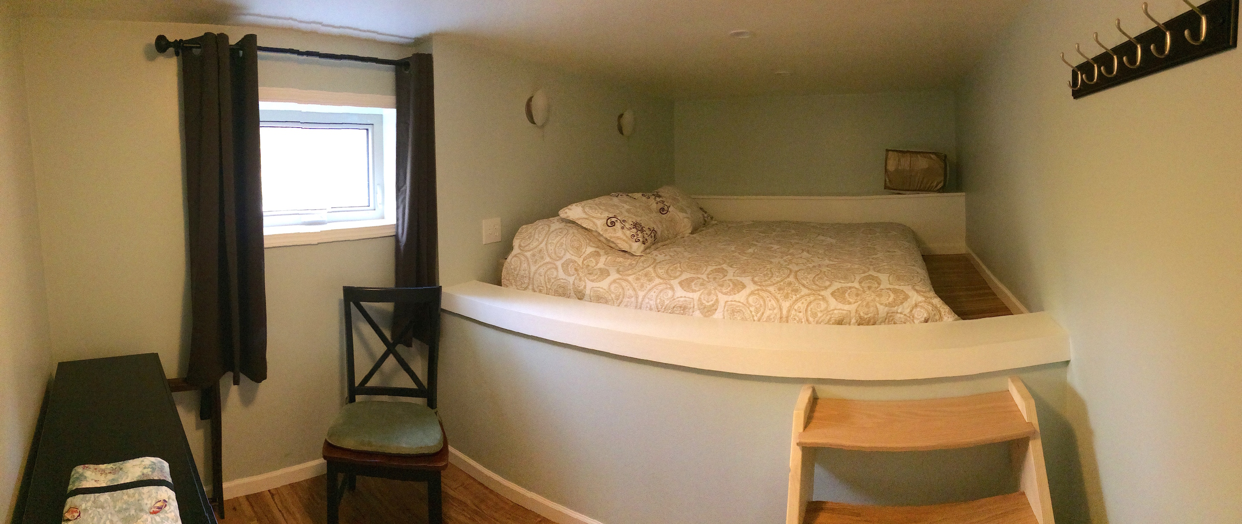 mccarthyguesthousebedroom.JPG