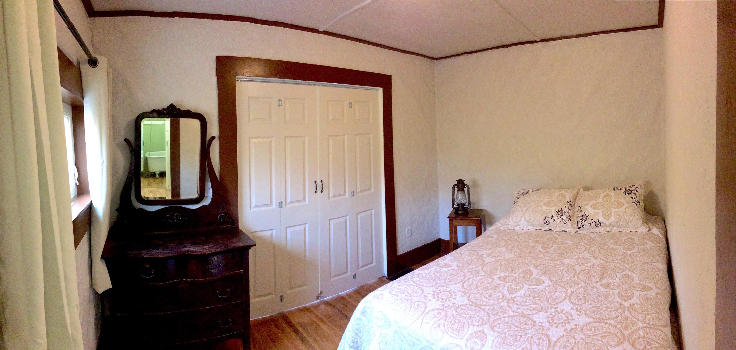 guesthousebedroom.jpg