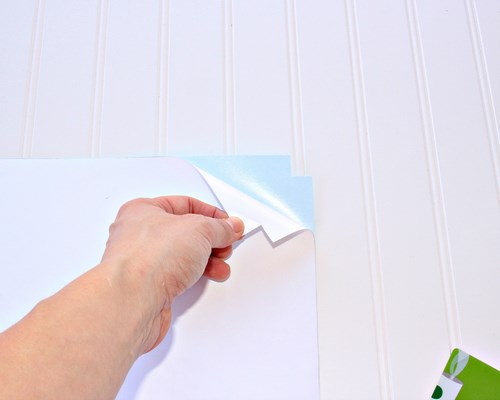 How to Turn a Vinyl Decal into Canvas Art -MIY with Melissa