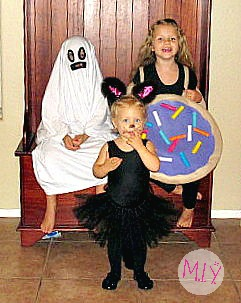 Bonus Pic of The Kiddies: A Ghost, a Kitty Cat, and a Purple Frosted Cookie
