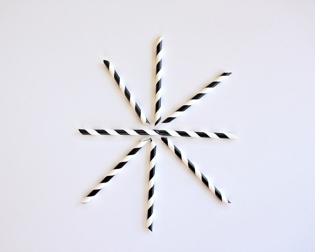 Quick and Easy Paper Straw Fireworks Decorations- MIY with Melissa