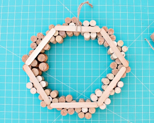 Wine Cork Flower Wreath Summer Decor Tutorial -MIY with Melissa