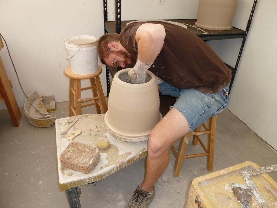Evan Pomerantz throwing large sections