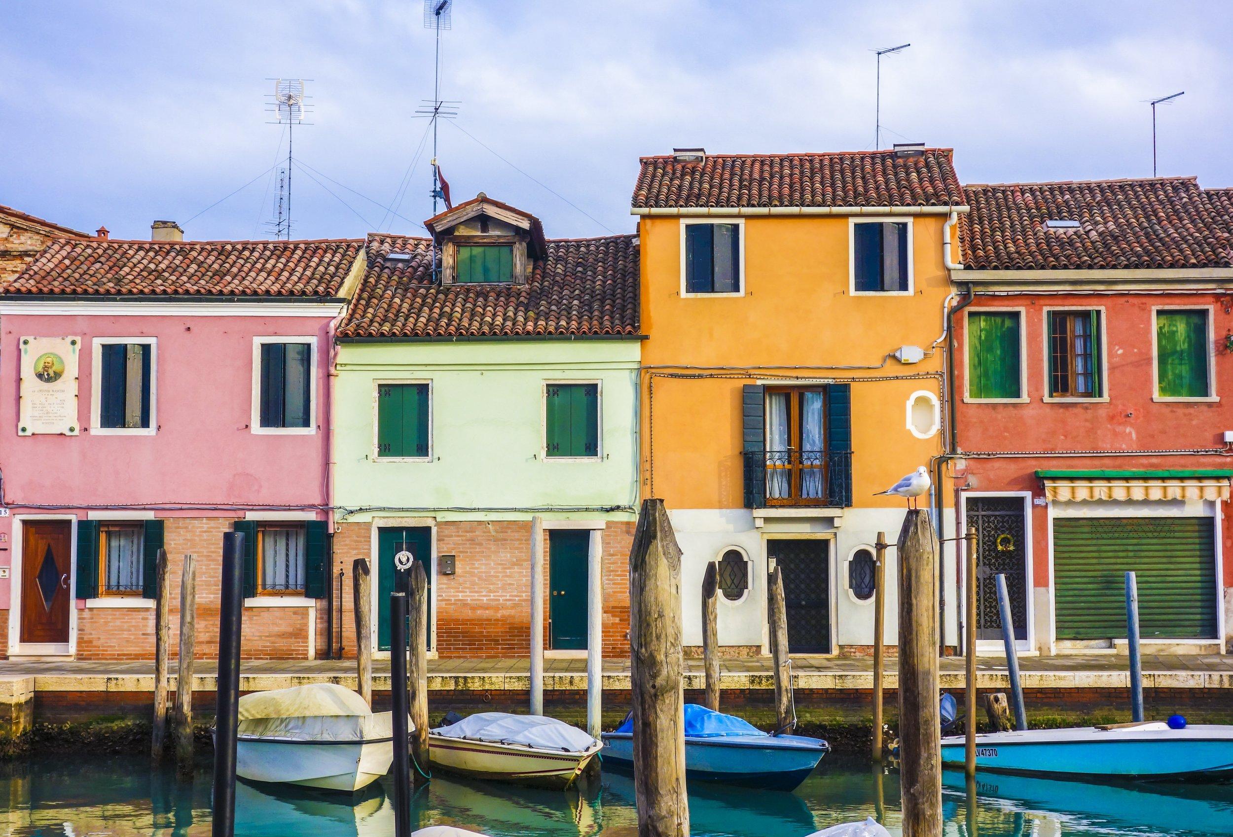 colourful-houses-1622066.jpg