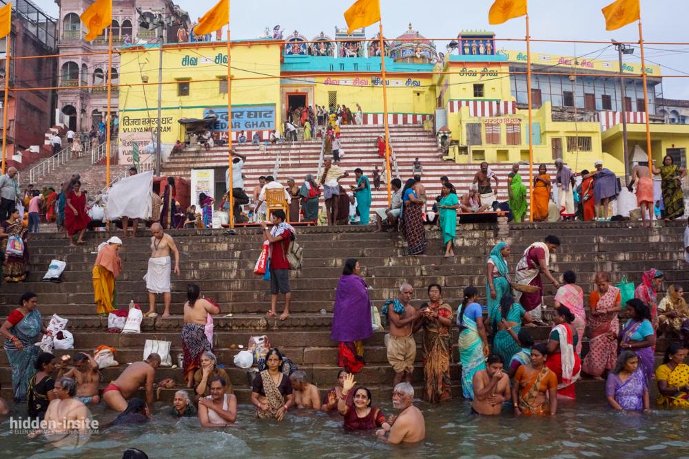 People-in-water-in-front-of-temple-Varanasi.jpg