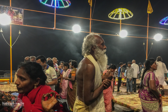 Sadhu-and-lady-in-red-at-night-666x443_c.jpg