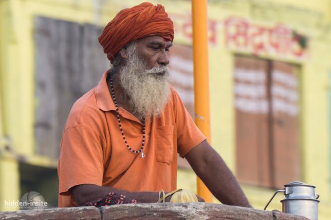 Sadhu-in-orange-Varanasi-666x443_c.jpg