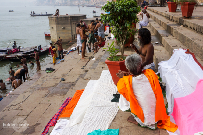 White-and-orange-laundry-on-ghat-666x443_c.jpg
