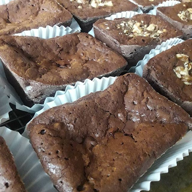 Baking brownies!!!🥰🥰 limited supply for the Market tomorrow on a few items so get there early,  so you dont miss out!!!