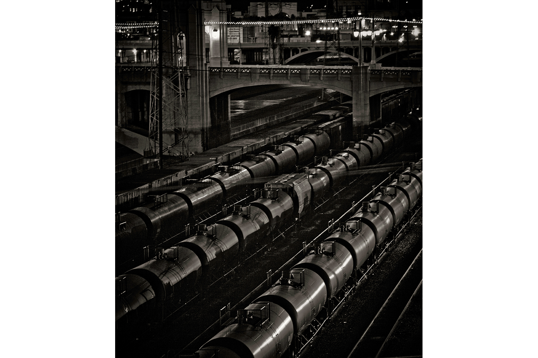 20100102_project1_trains_christmas_lights.jpg