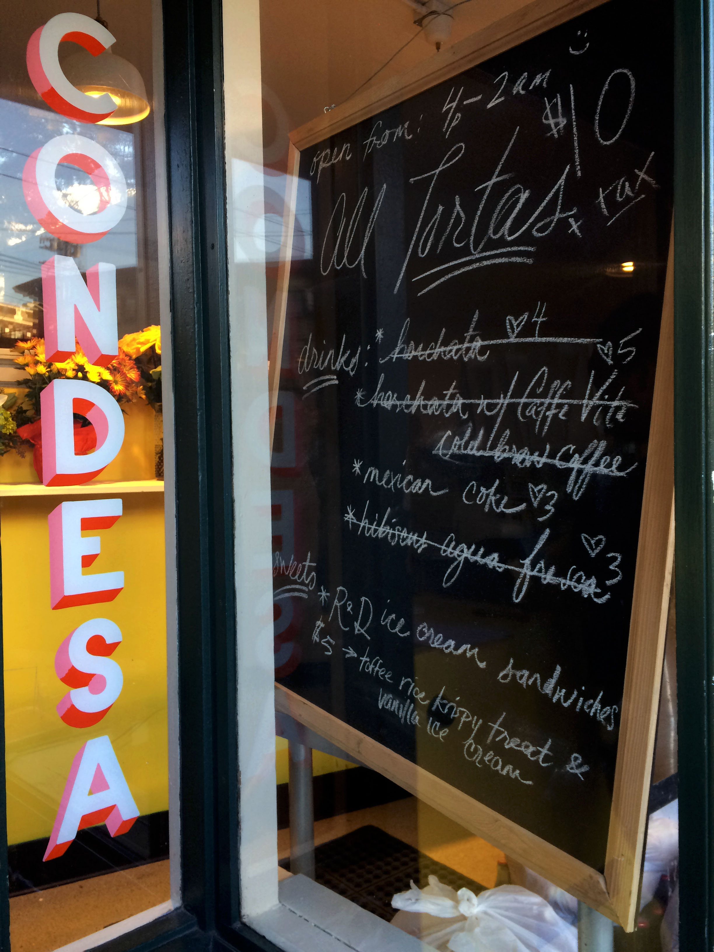 Tortas Condesa dessert and drink menu