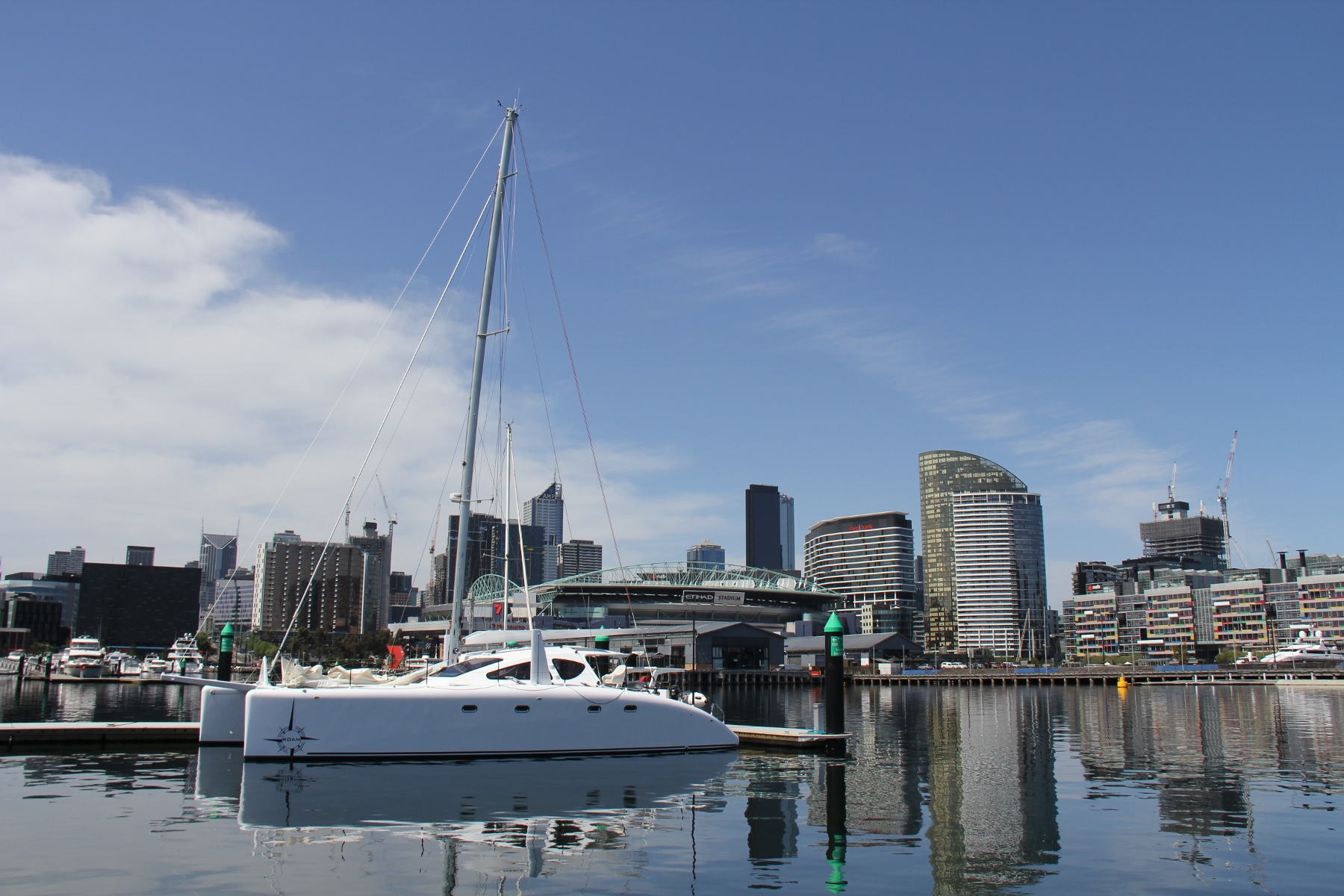 ROAM in the big smoke. Once the rig was on we spent the weekend in Docklands at Melbourne City Marina settling into the cruising lifestyle and catching up with friends.