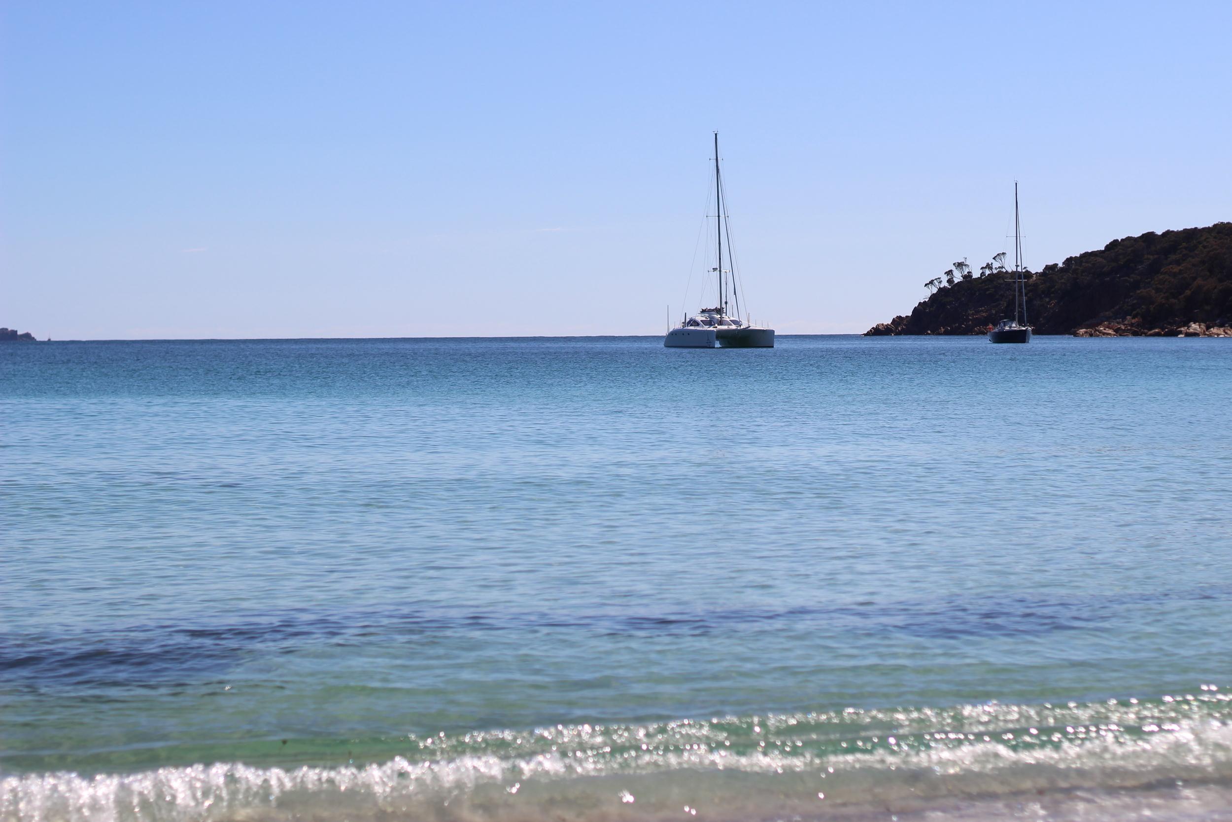 Roam anchored in Wine Glass Bay