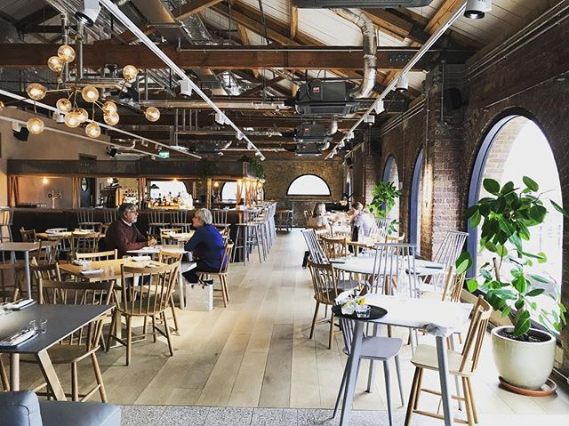Delicious lunch with @catchcomms 😋. Tasty grub, excellent company and well designed space 👌 . . . . #spacetocreate #loftstyle #coaldropsyard #hicce #nomnom #entrepreneurs #lunchtime #location #venue #kingscross #london #productionlife #eventprofs