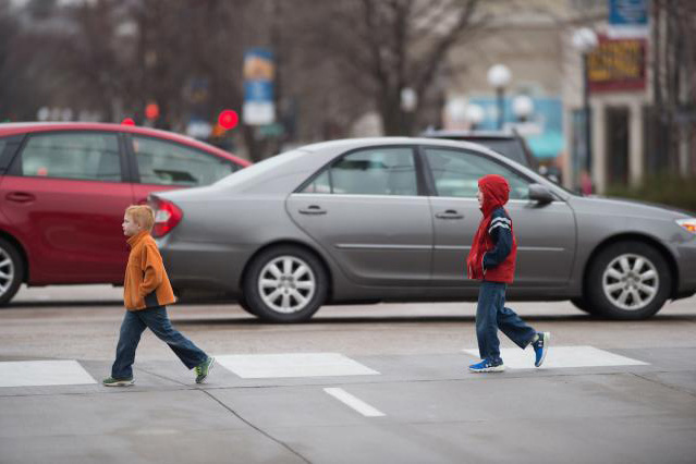 Why-children-struggle-to-cross-busy-streets-safely-University-of-Iowa-photo