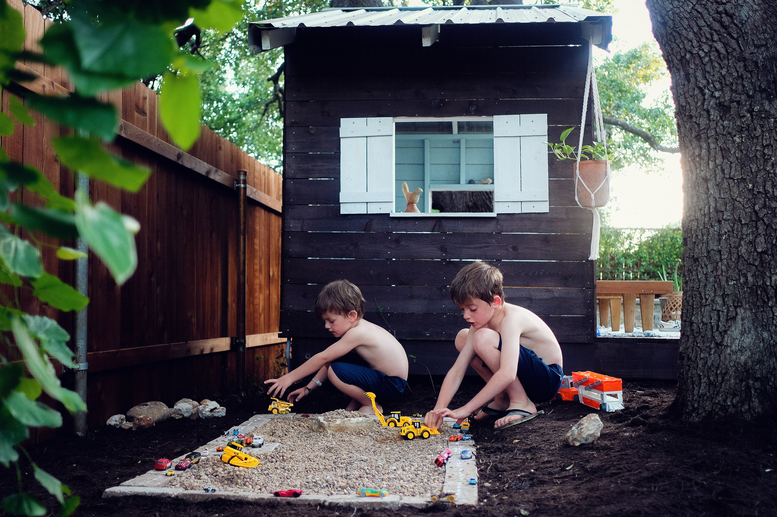 Rock box garden - outdoor play - Lovely Matters Blog - Lifestyle blog - Heather Walker Photography