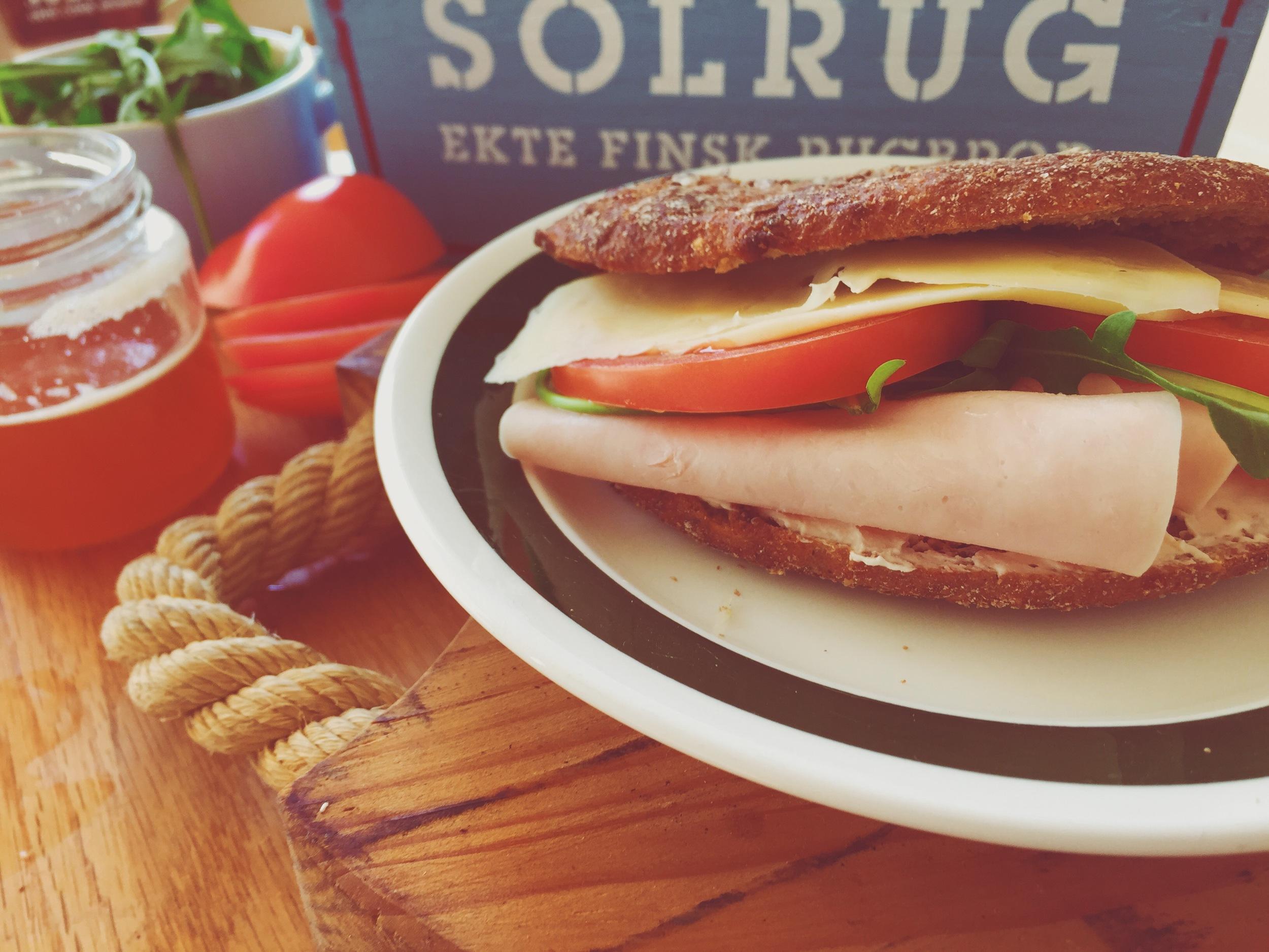 Solrug Protein+ med snøfrisk, kyllingfillet, tomat, ost og ruccola