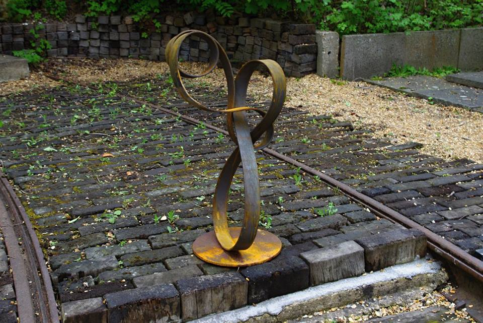 Loop the Loop by Rosemary Wellings (photo: Claire Meade)