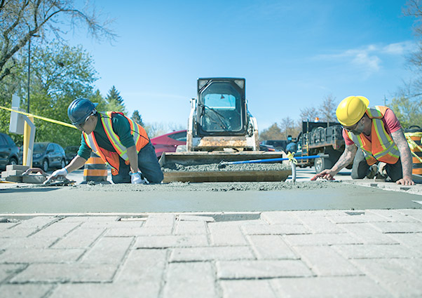 Asphalting & Paving - Mitigate risk, ensure your parking lots are safe for drivers while providing as many parking spaces as possible. Precise ParkLink's paving and asphalt services include: asphalt paving, pavement repairs and curb construction and parking lot sealing.