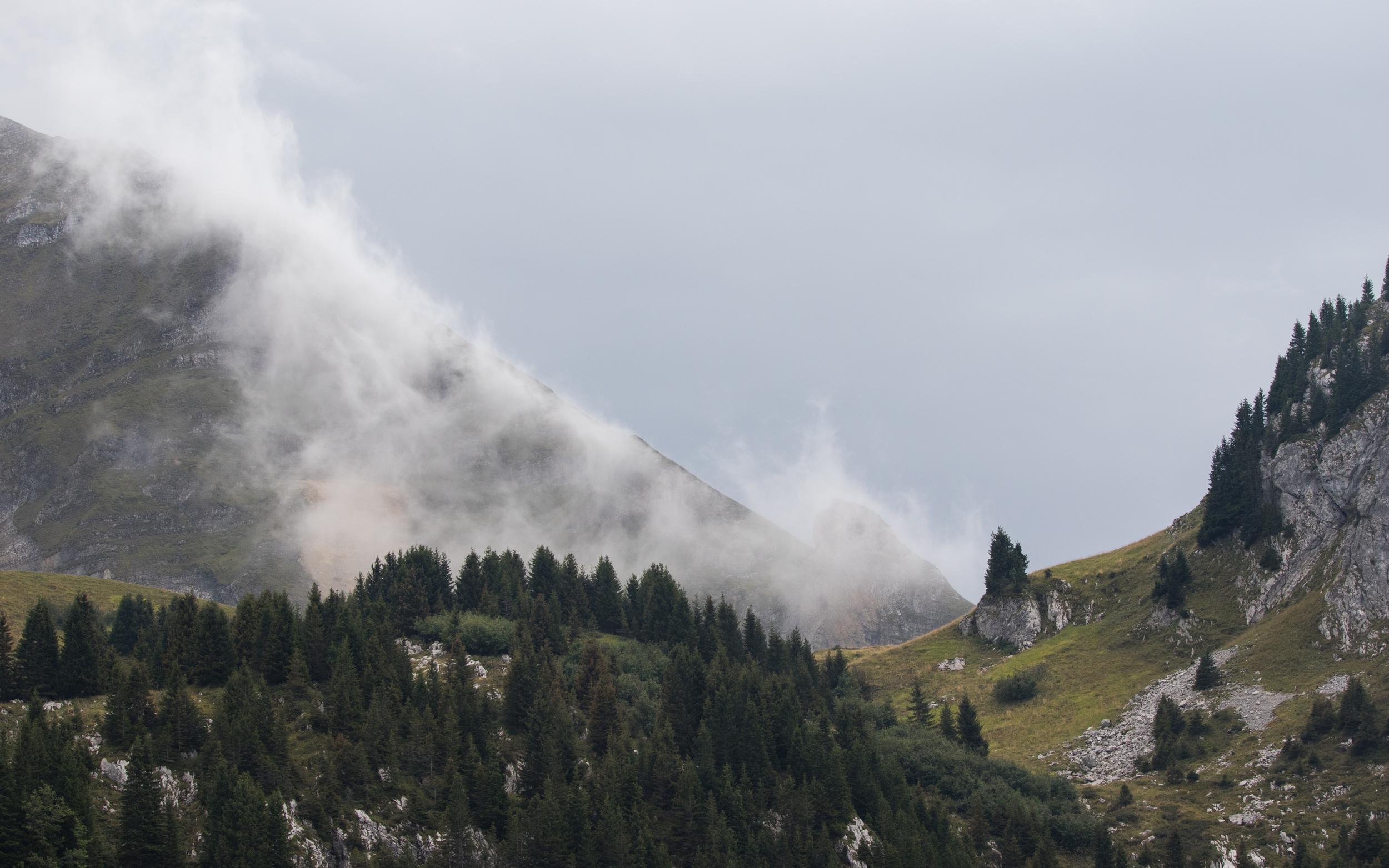 lac-de-lessy-hike