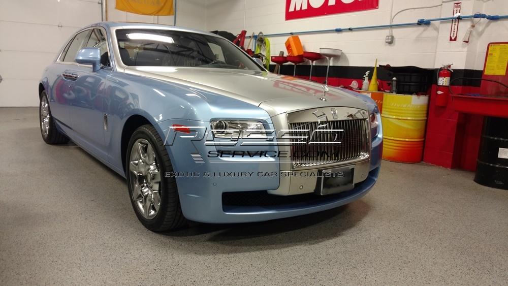 Rolls Royce Ghost shop.jpg