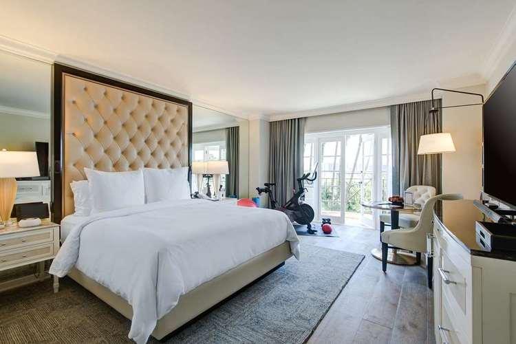 Four Seasons Beverly Hills 3.jpg