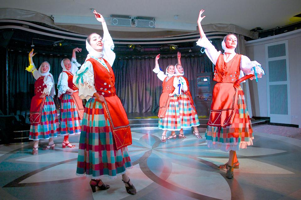 Windstar Cruises Dance Entertainment