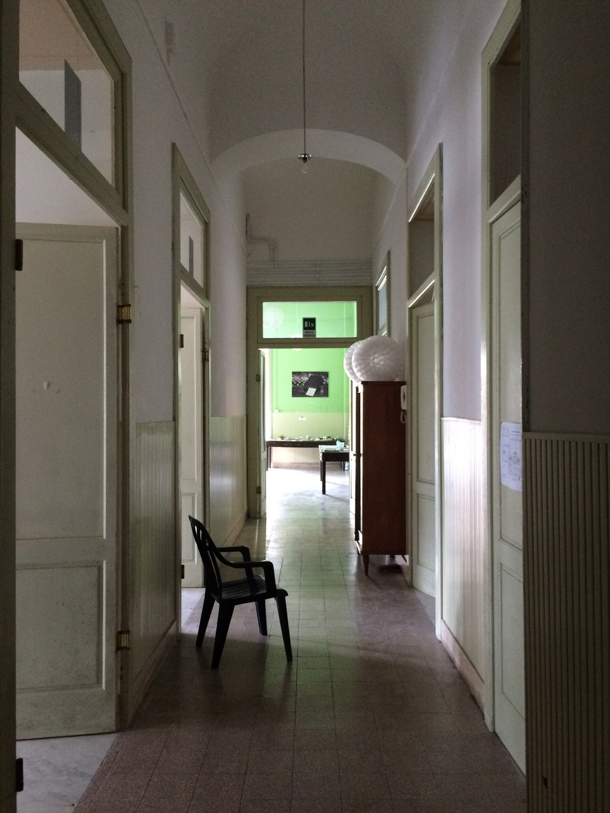 Asilo lower level hallway