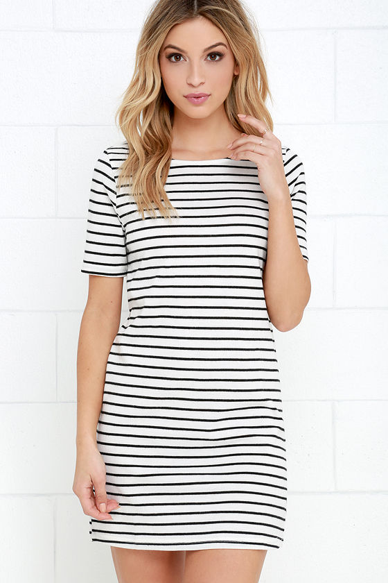 Favorite Striped Dresses at Cat On The Moon (www.catonthemoon,xyz)