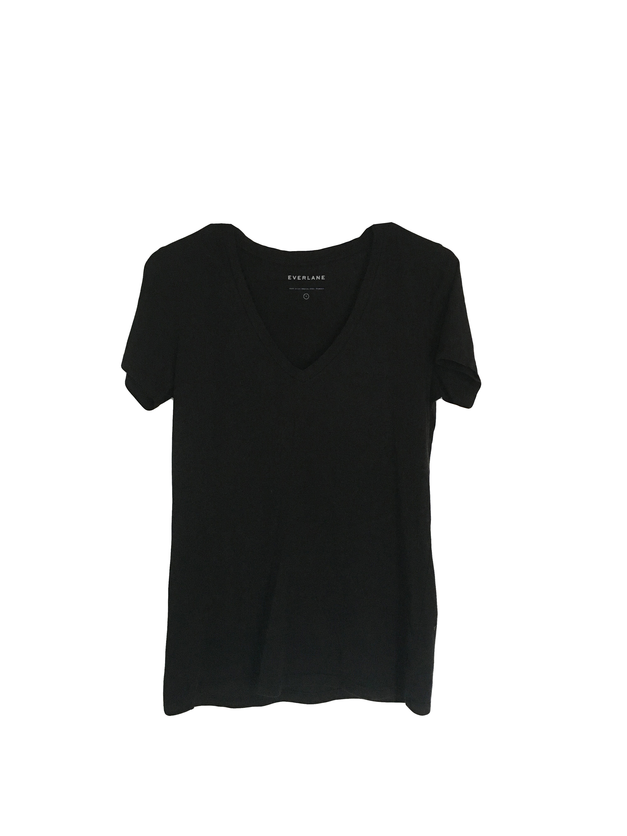Everlane Black Cotton Tee | A Capsule Wardrobe Basic and Staple at Cat On The Moon | A thoughtful style blog for a simple life.