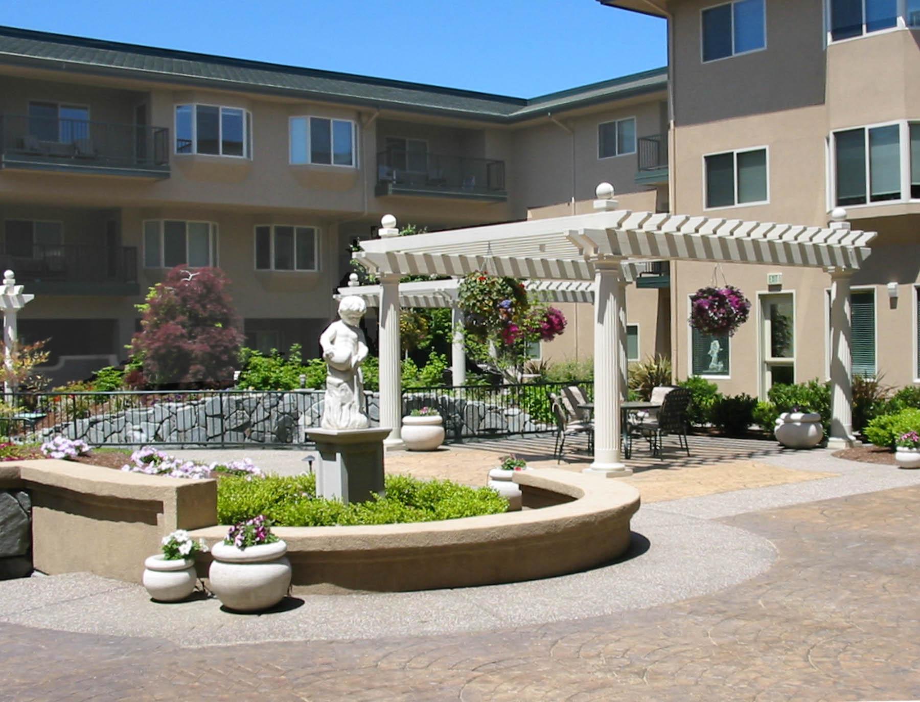 C 1 Anna Maria Courtyard, by BP_web.jpg
