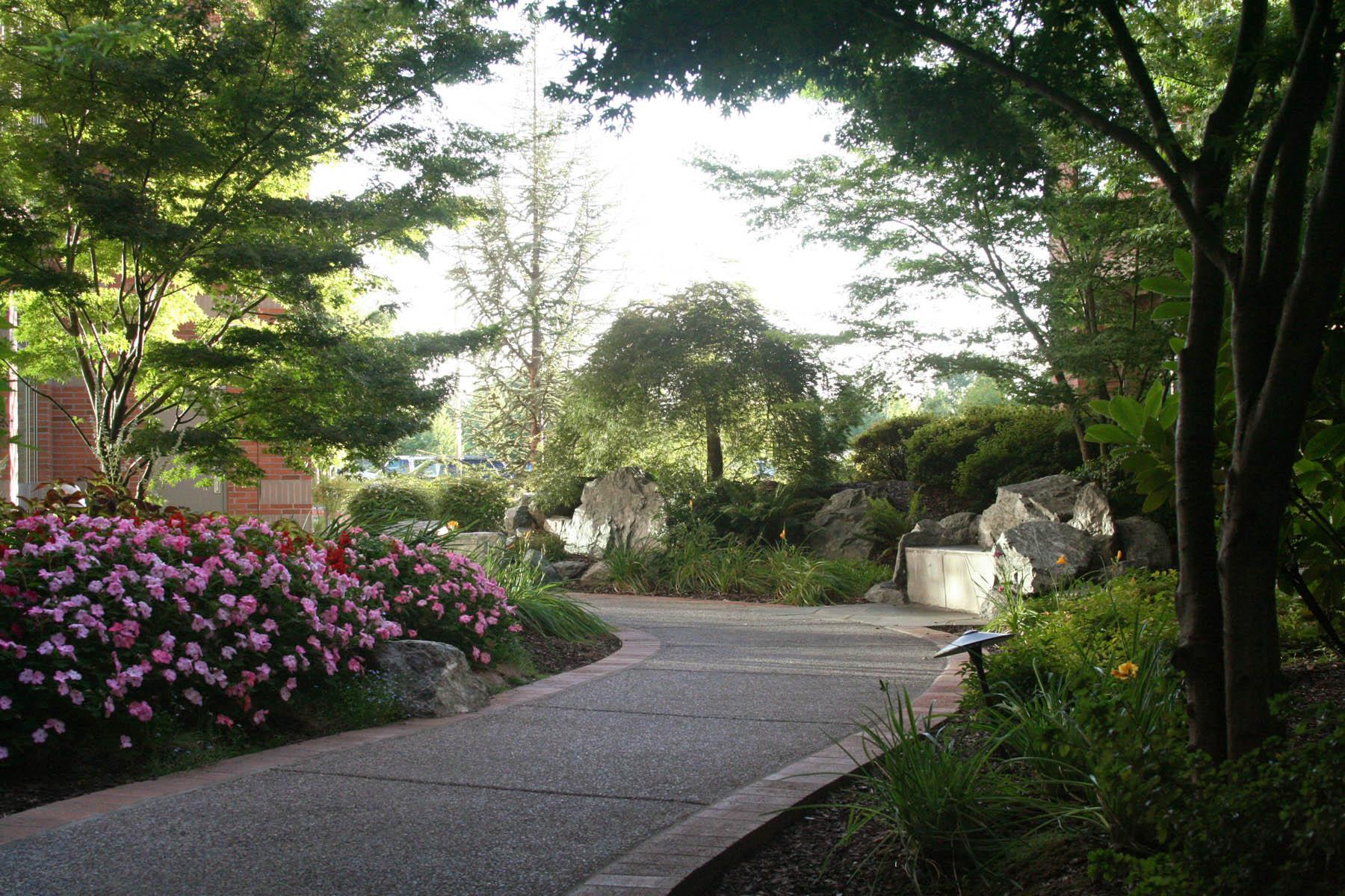 C 7 Providence Cancer Center Peaceful Paths, by Brian Prechtel.tif_web.jpg
