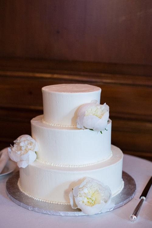 Wedding+Cakes+_+Björn+&+Company+_+NYC+Wedding+Cakes+_+Simple+White+Cakes+_+A+Simple+Cake+NYC.jpeg