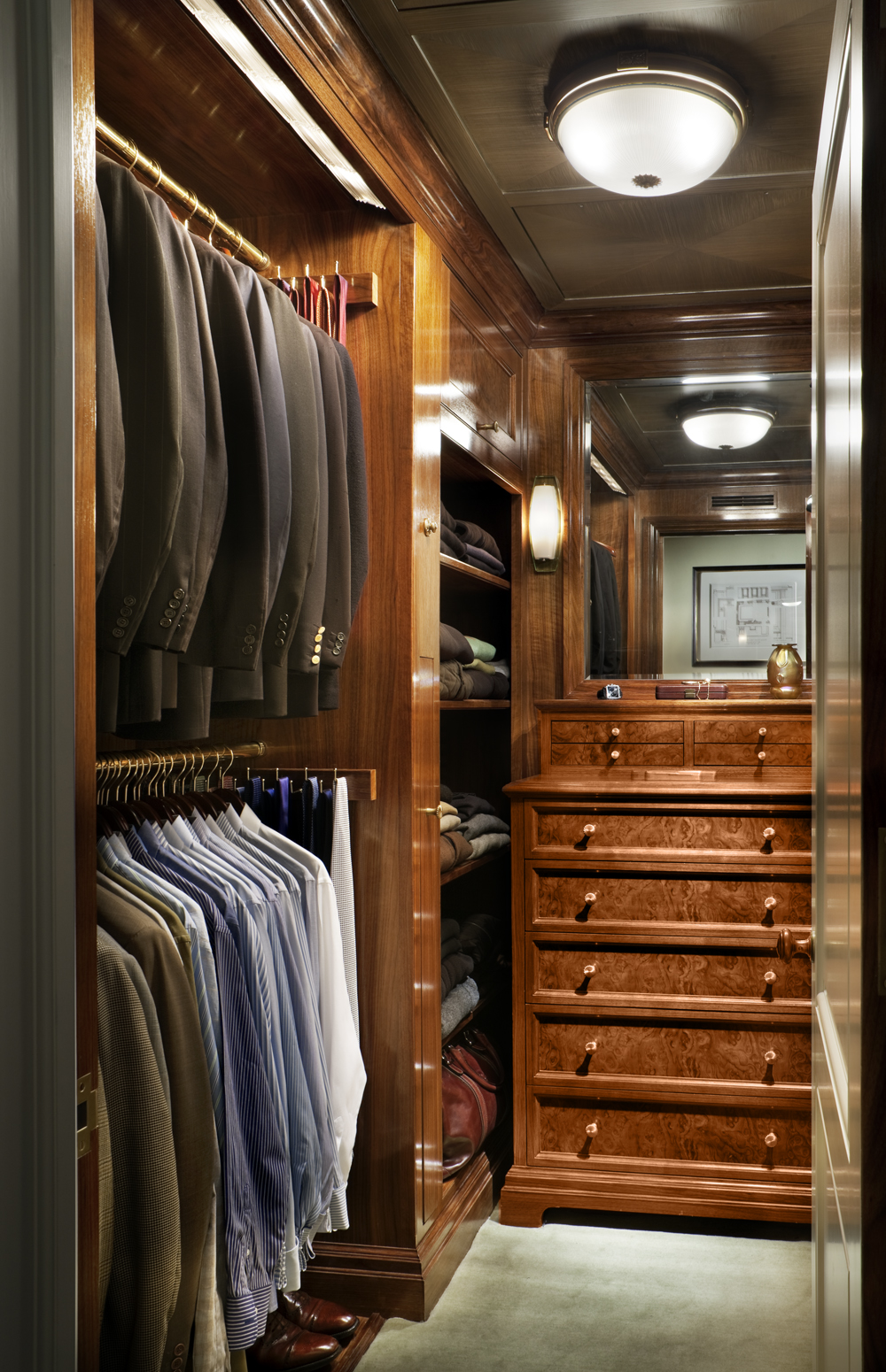 LSI-web-fifth-ave-interior-closet-2.jpg