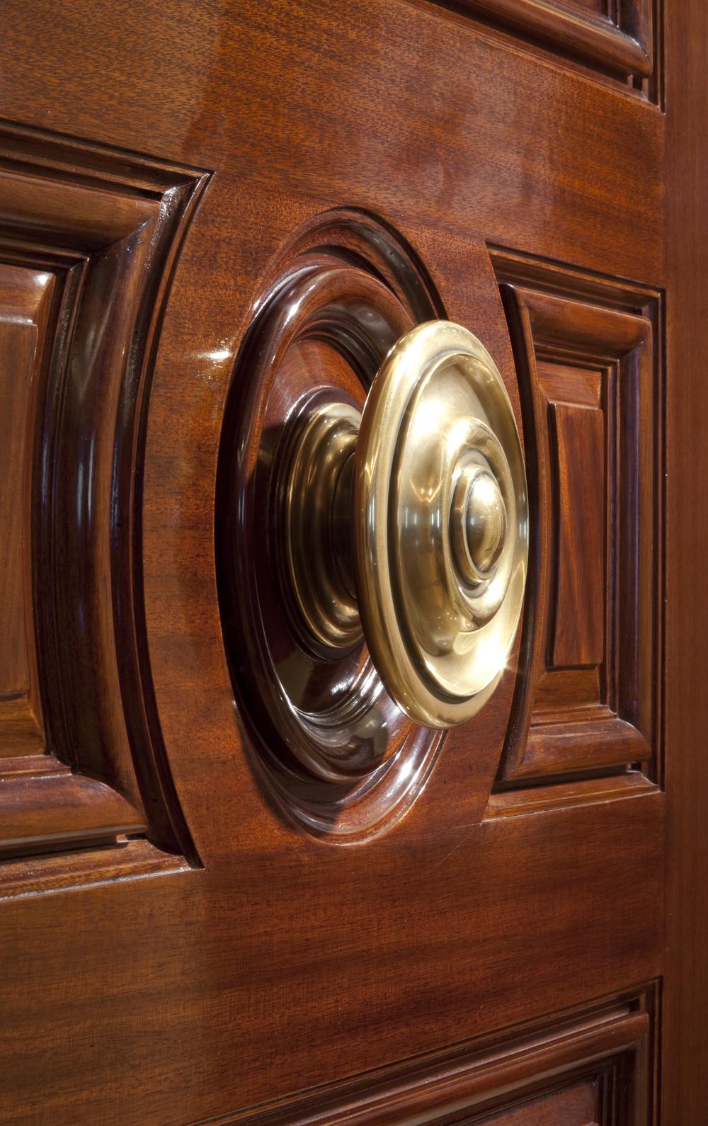 LSI-web-fifth-ave-interior-detail-door-2.jpg